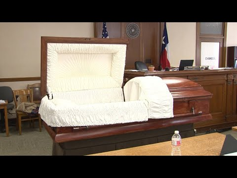 Video: Julie Mott Trial: Casket brought into courtroom for demonstration during missing body trial