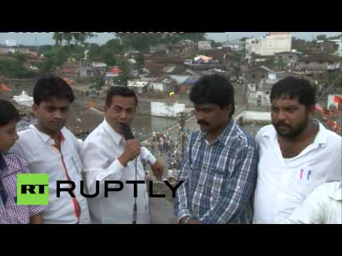 India: Watch this bloody mass stone-throwing battle