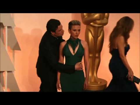 Oscar 2015 Scarlett Johansson John travolta kissing