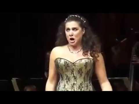 Cecilia Bartoli The Greatest Coloratura Mezzo Soprano (Soprano for some) of all times