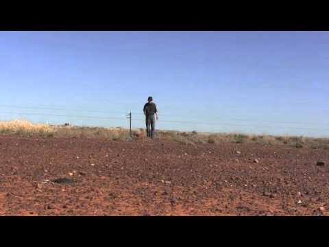 Jon Rose plays Fence 2 at White Cliffs