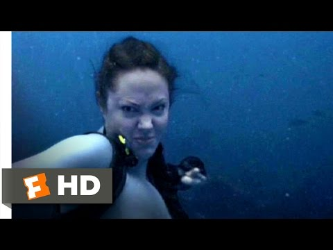 Lara Croft Tomb Raider 2 (1/9) Movie CLIP - Shark Punch (2003) HD
