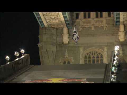 Maddo's insane Tower Bridge no-handed back flip