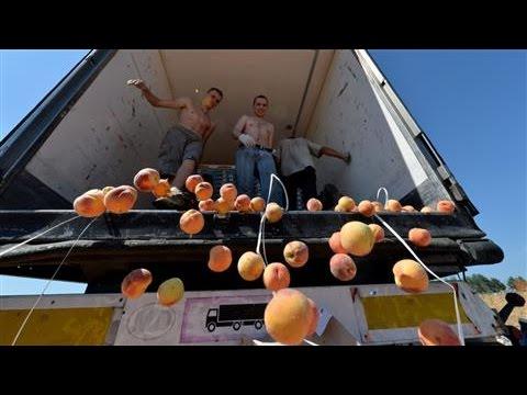 Putin's Food-Embargo Videos Go Viral