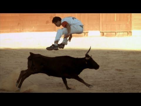Bull Jumping - Inside the Human Body: Hostile World - BBC One