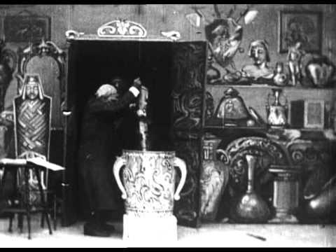 The haunted curiosity shop (Robert W.Paul, 1901)