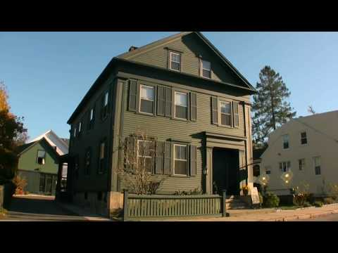 A Look Inside the HAUNTED LIZZIE BORDEN Bed & Breakfast