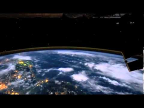 Gigantic Lightning Above the Electric Earth | Space News