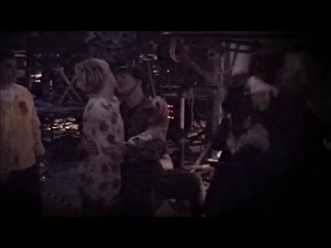 Kurt Cobain and Eddie Vedder Slow-Dancing at MTV Video Music Awards (9/9/1992)
