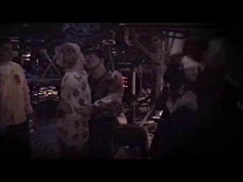 Kurt Cobain and Eddie Vedder Slow-Dancing at MTV Video Music Awards (9/9/1992)
