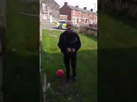 Police woman tells dad he can't play in his garden - Coronavirus UK