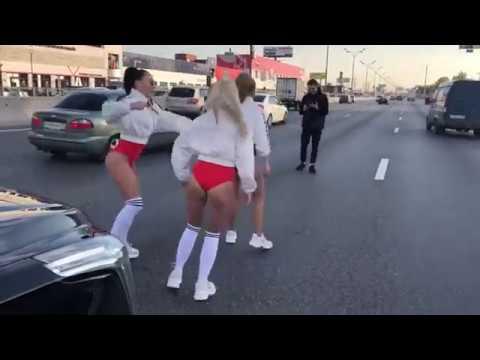 Жена депутата перекрыла дорогу на МКАД, чтобы снять клип
