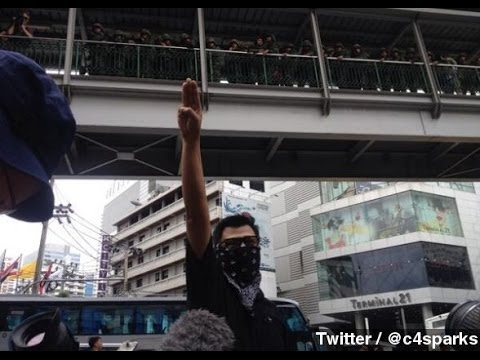 Protesters In Thailand Using The 'Hunger Games' Salute