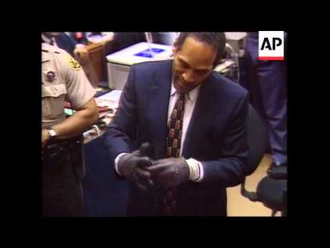 USA - Simpson Tries On The Murder Gloves - 1995