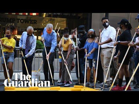 Bill de Blasio helps paint 'Black Lives Matter' outside Trump Tower