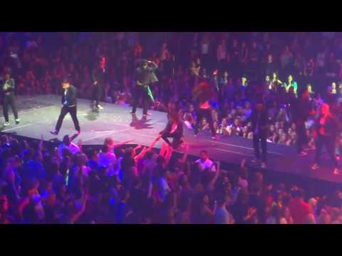Justin Bieber Pukes / Throws Up / Vomits on Stage | Best Angle Footage
