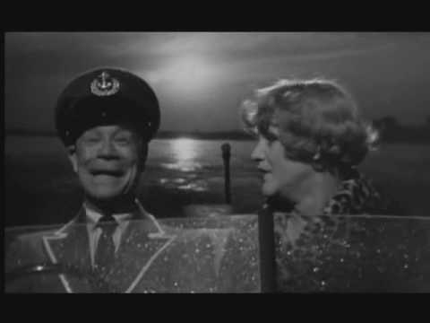 Some like It hot [1959] ending