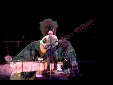 Pete Seeger sings Turn Turn Turn