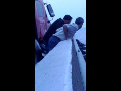 Bay Bridge crash raw footage clinging to rocks