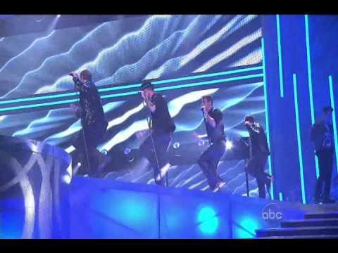 BackStreet Boys & New Kids On The Block = NKOTBSB (Performance In American Music Awards 2010)
