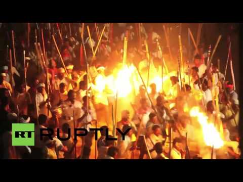 India: Thousands battle it out with STICKS, hundreds injured at festival