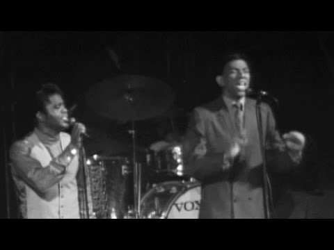 James Brown & Bobby Byrd Perform - James Brown at the Boston Garden Extended Edition (Live)