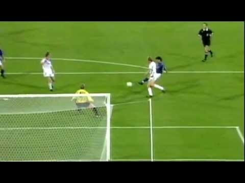 Baggio Goal - Italy v Czechoslovakia 1990
