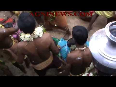 KRISHNARAYAPRAM.. COCONUT BREAKING ON THE HEADS OF DEVOTEES AT MAHALAKSHMI TEMPLE.