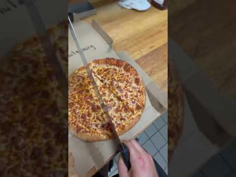 PIZZERIA has MASTER TRICK to STEAL pizza @lonelypepperoni #tiktok #shorts