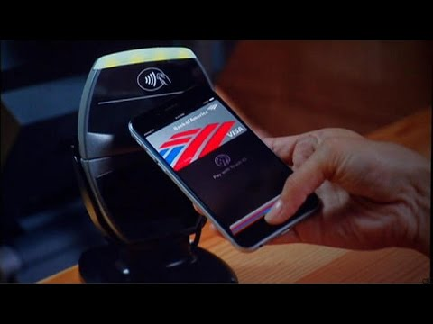 CNET News - Apple turns iPhone 6 into mobile wallet with Apple Pay