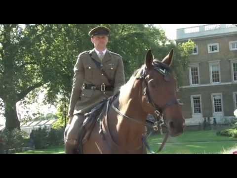 Heroic First World War Horse Awarded Dickin Medal 02.09.14