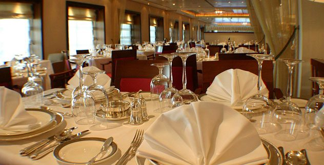Top 10 Rules for Fine Dining   Listverse. Fine Dining Table Service Rules. Home Design Ideas