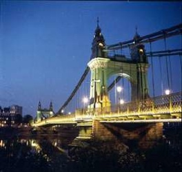 Hammersmith-Bridge
