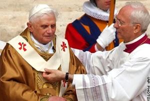 Gal.08.Pope.Pallium.Ap-1
