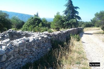 800Px-Mur De La Peste