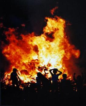 Bonfire-Night-Sarsfield-Tce