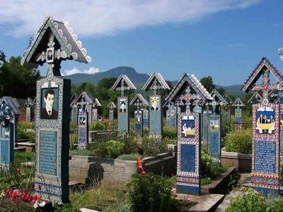 062 Merry Cemetery Sapanta  Romania Aug 2004.Jpg