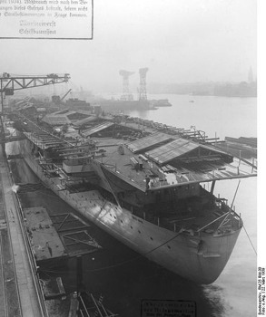 "503Px-Bundesarchiv Rm 25 Bild-30, Flugzeugträger ""Graf Zeppelin"", Bau.Jpg"