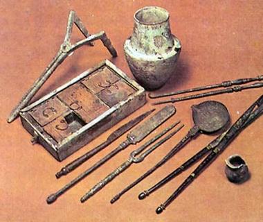Ancient-Greek-Medical-Instruments.Jpg