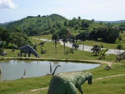 20081211090510-Parque-Prehistoria-Santiago