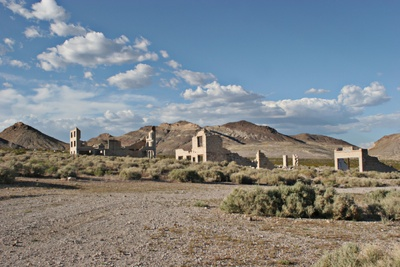 Ruins-Of-Abandoned-Town-In-Nevada-Nvlv437