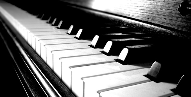 10 Amazing and Stunning Piano Pieces - Listverse