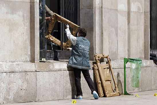 Image-3-For-Paris-Museum-Of-Modern-Art-S-Theft-Investigation-Gallery-798739428