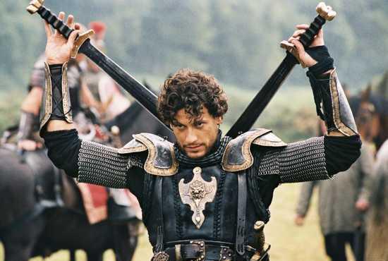 Lancelot-4-Ioan-Gruffudd-216180 1400 943