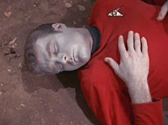 Star Trek - Obsession %28Screenshot Of Dead Redshirt%29