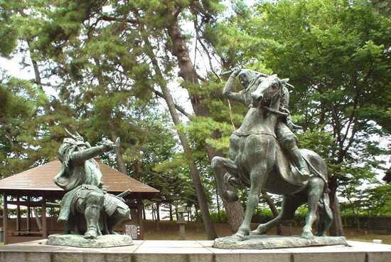 Takeda Shingen Versus Uesugi Kenshin Statue