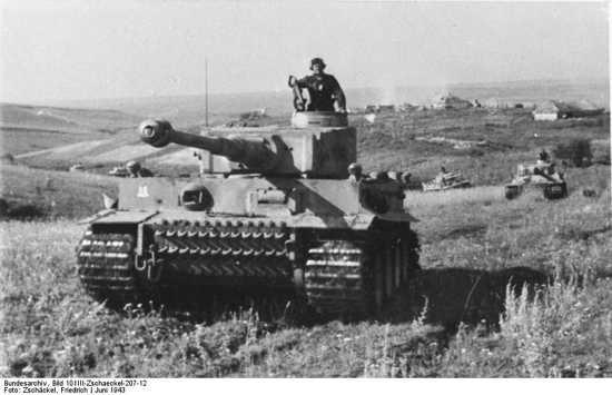 Bundesarchiv Bild 101Iii-Zschaeckel-207-12%2C Schlacht Um Kursk%2C Panzer Vi %28Tiger I%29