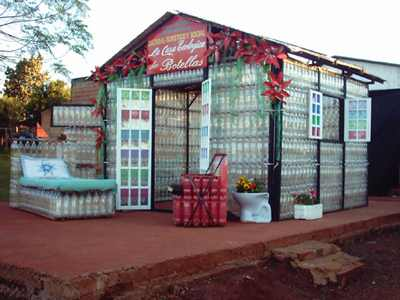 House-Entirely-Made-Of-Plastic-Bottles-1