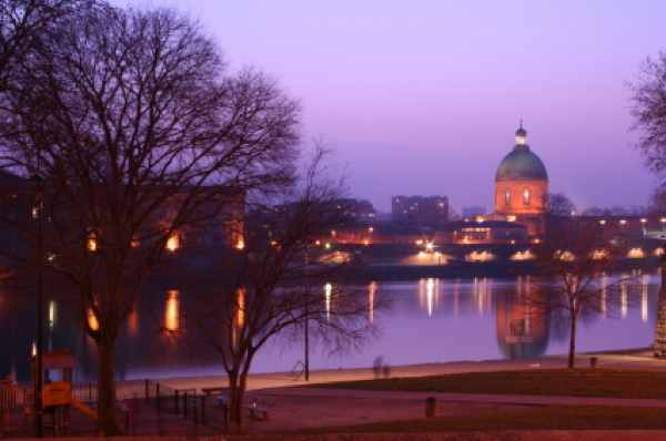 Toulouse-Istock 000001282854Xsmall