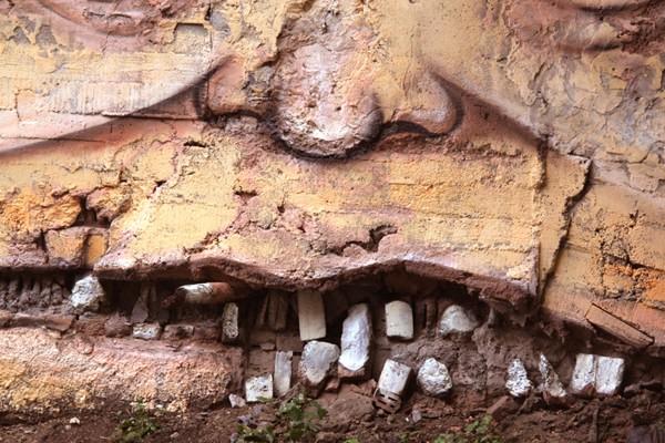 Nomerz-Street-Art-Russia-Dentist-2